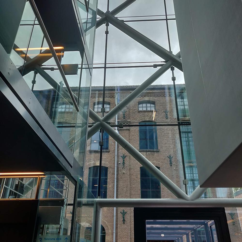 מוזיאון הטקסטיל בטילבורח. ישן וחדש משמשים יחד