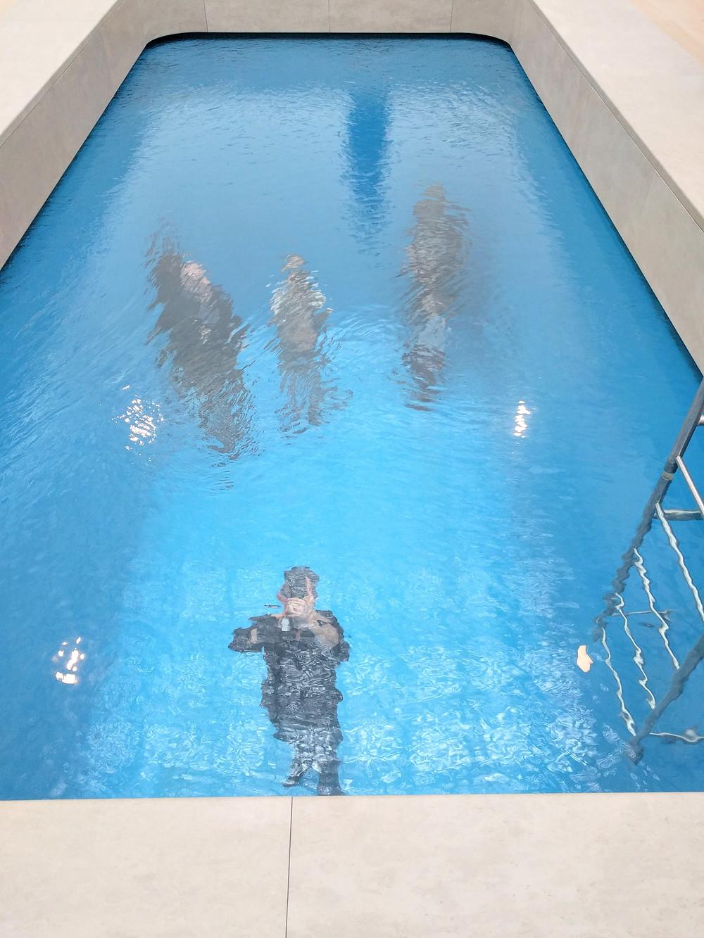 לשחות בברכה מבלי להרטב
