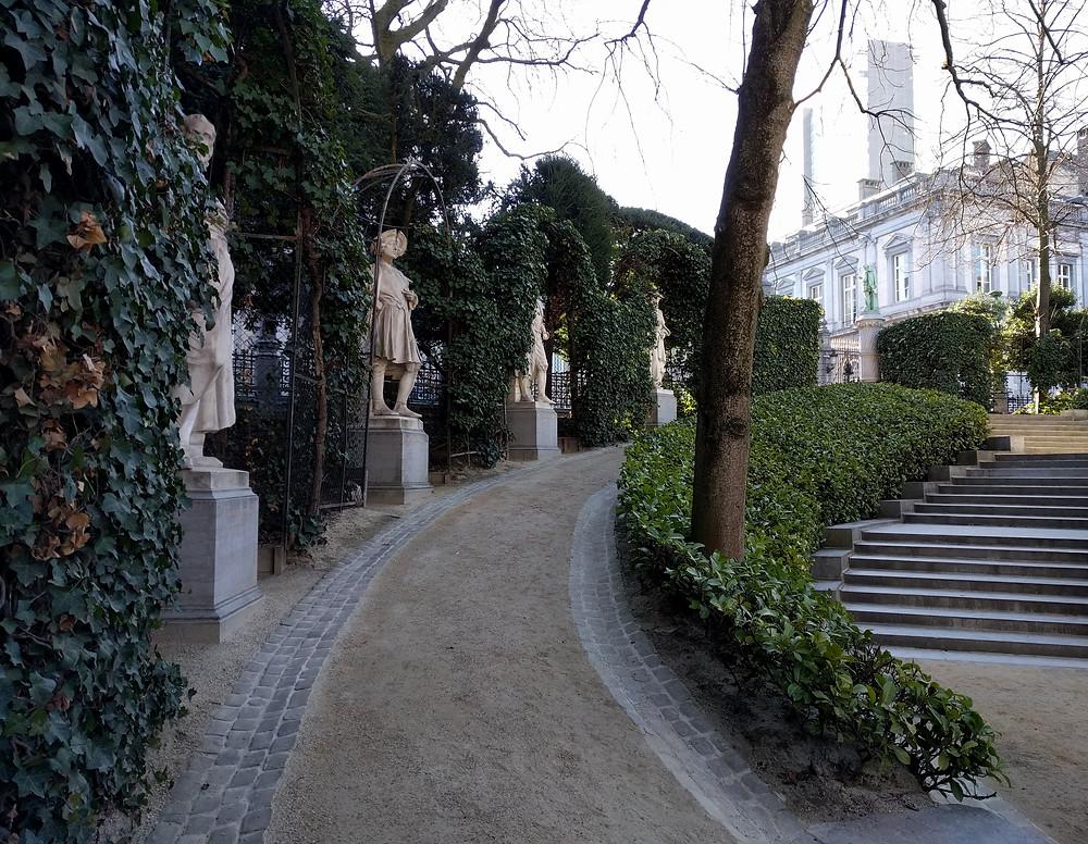 בפארק סבלון הקטן פסלי אינטלקטואלים מן המאה ה 16. כולם הקדישו את חייהם למלחמה בצורר הספרדי ולחמו למען חופש הדעת והביטוי.