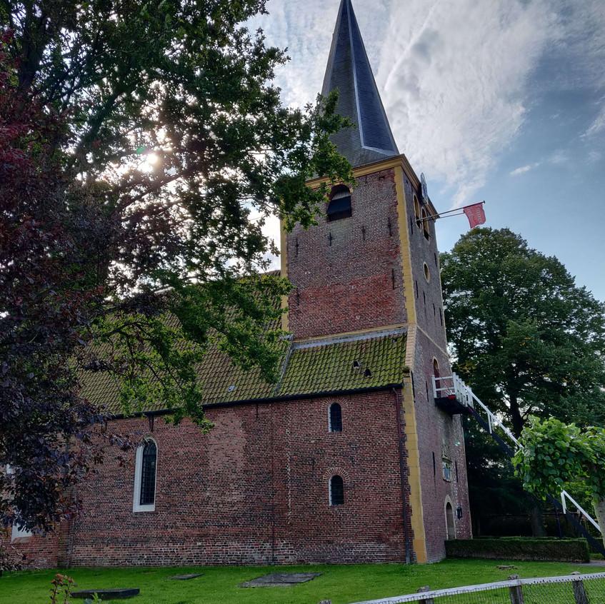 כנסיית המגדל
