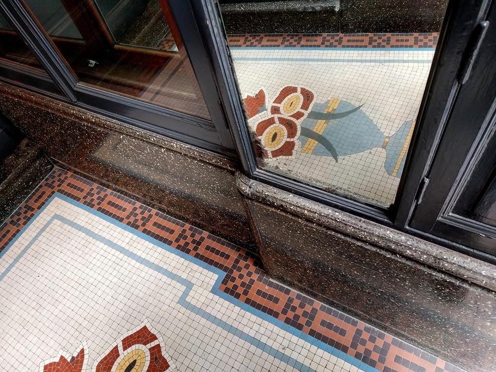 רצפת אר-דקו בבריסל