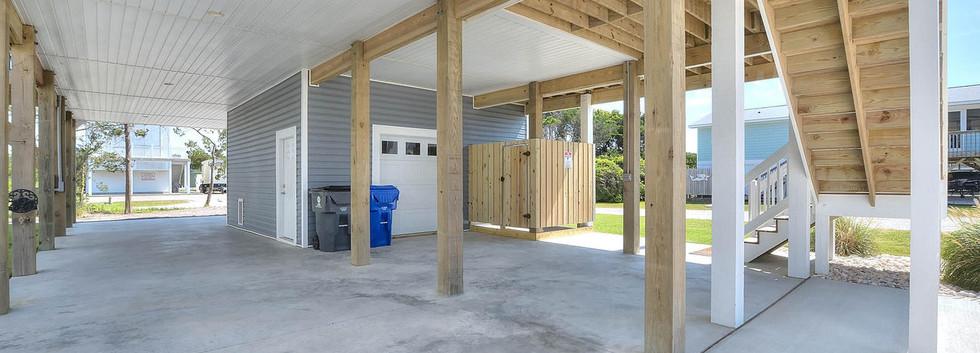 502 garage.jpg