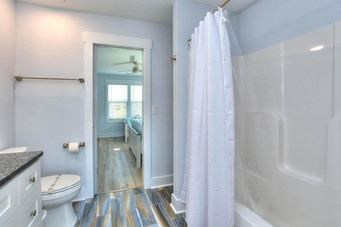 coming bathroom other2.jpg