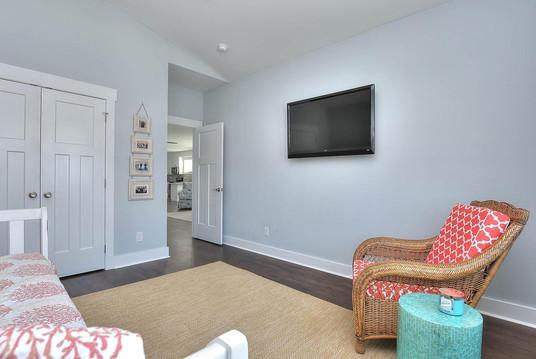 502 bedroom3 door.jpg