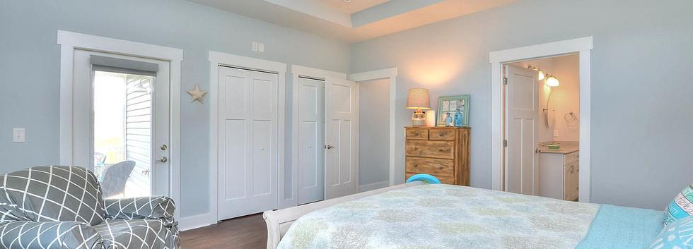 502 bedroom to bath.jpg