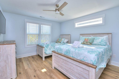 coming bedroom3.jpg