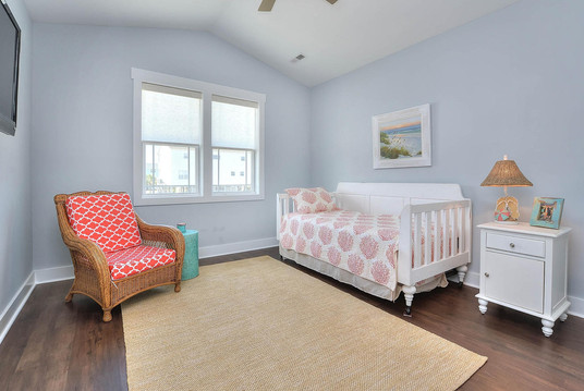 502 bedroom3.jpg