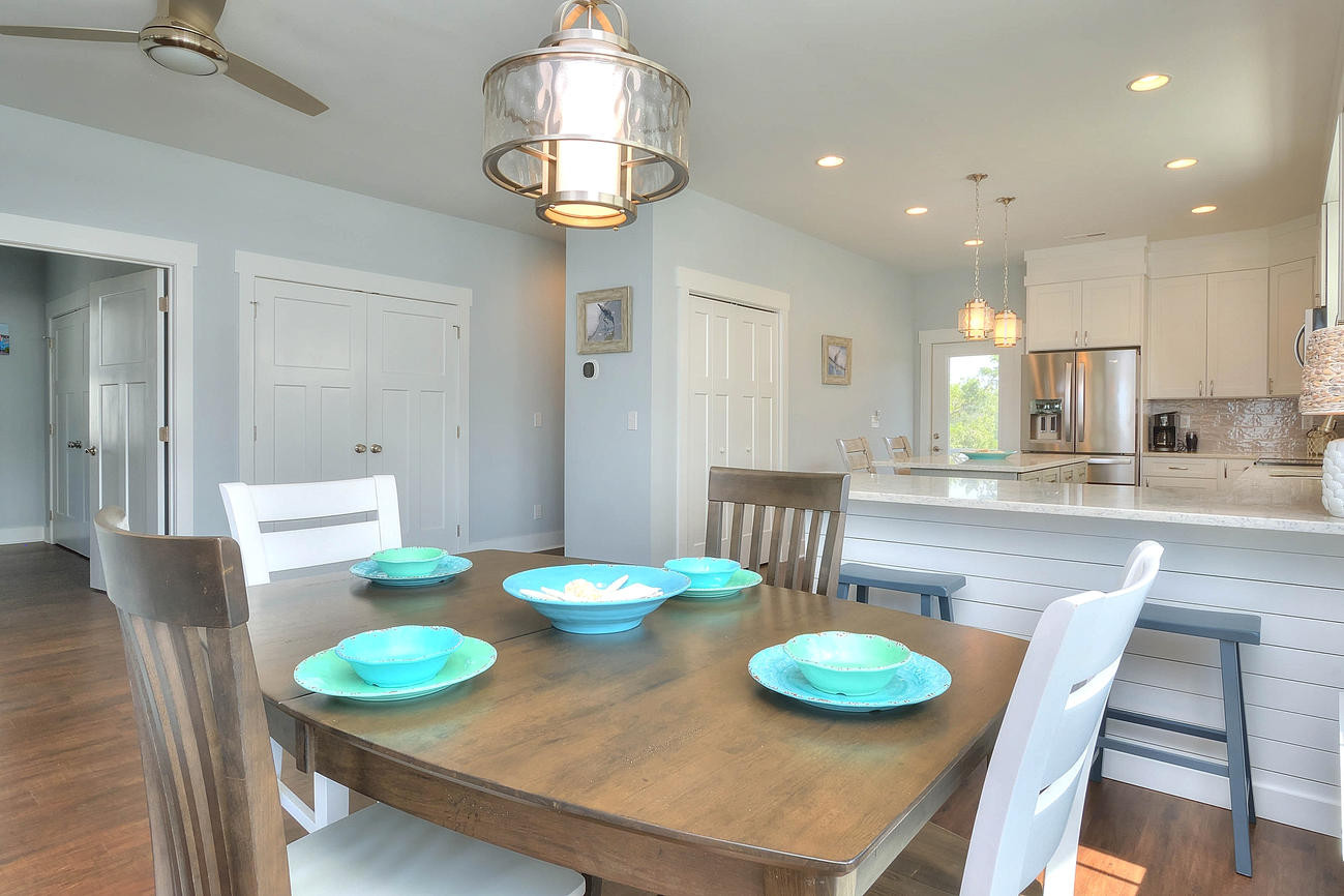 502 Dining room to kitchen.jpg