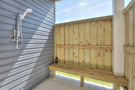 502 outdoor shower in.jpg