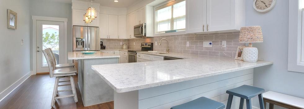 502 kitchen.jpg