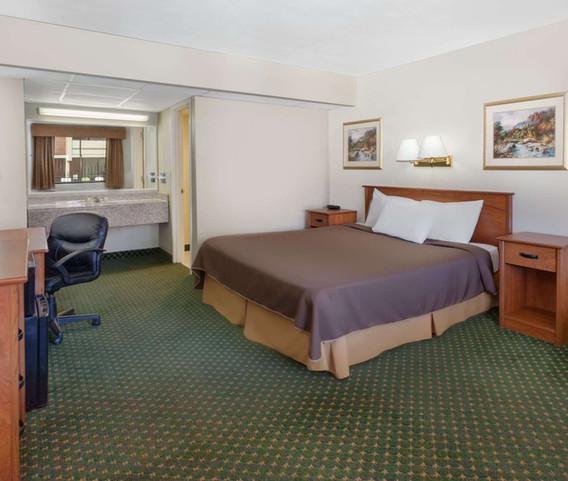 10713_guest_room_6.jpg