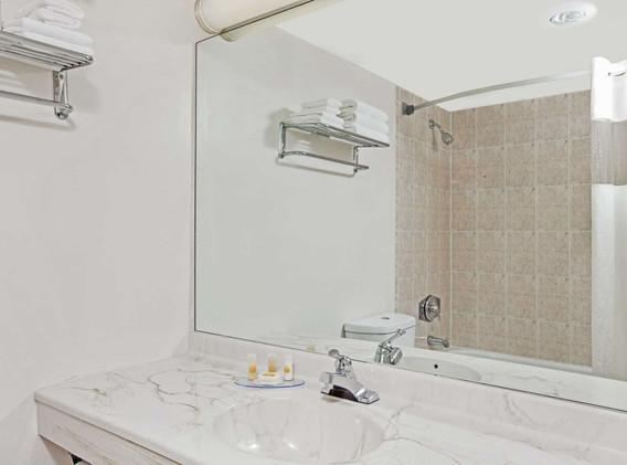 05450_guest_room_7.jpg