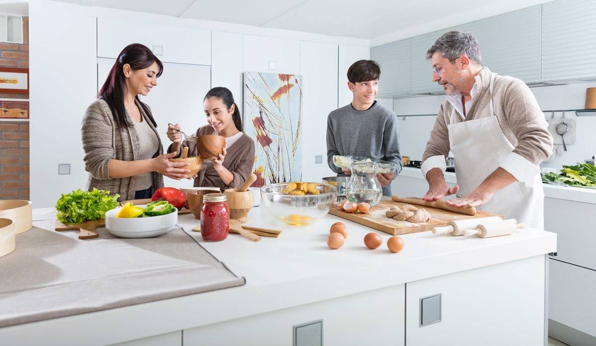 Cooking-Quality-time-in-the-kitchen_inde