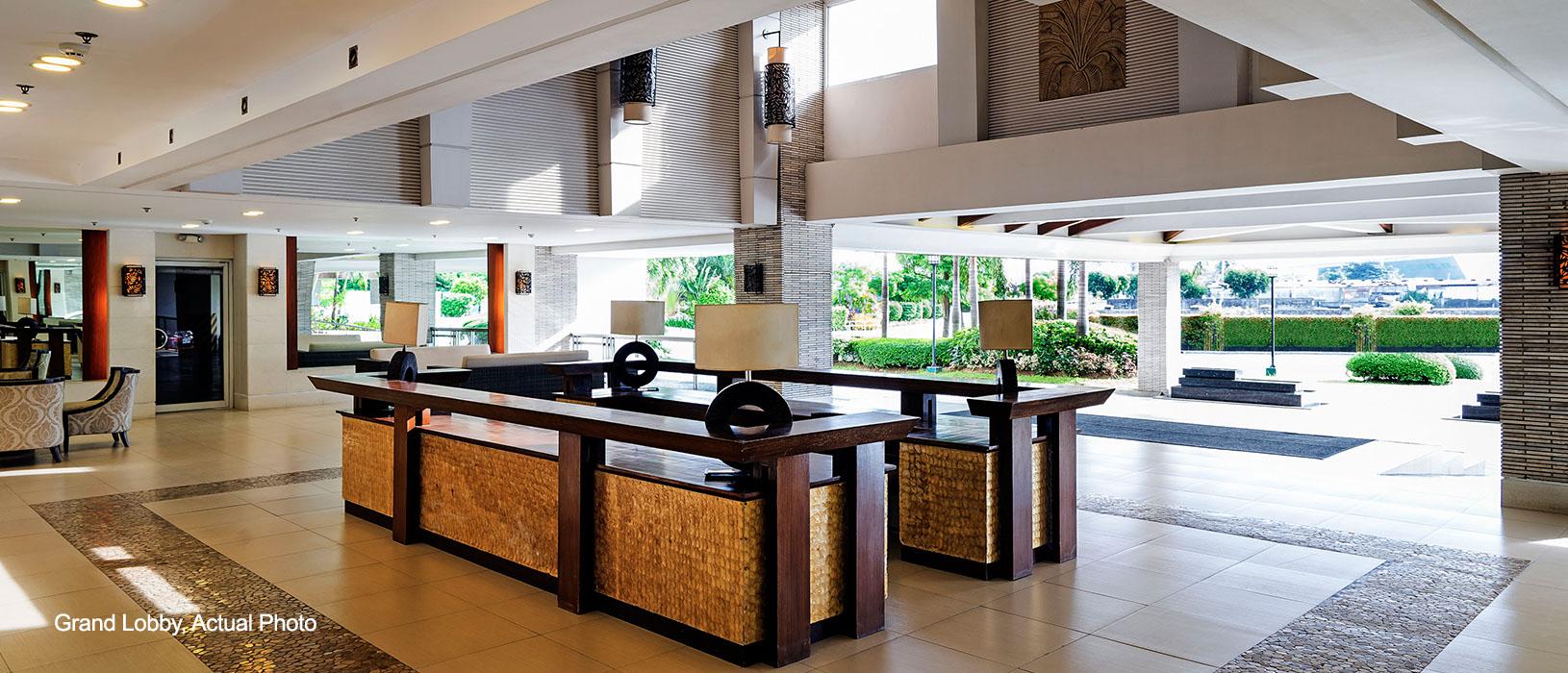 Field Residences Grand Lobby2