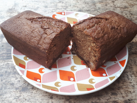 Cake aux poires, noisettes et pépites de chocolat