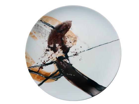 Platzteller Porzellan, mit abstrakter Malerei in Brauntönen von Sylvia Galos