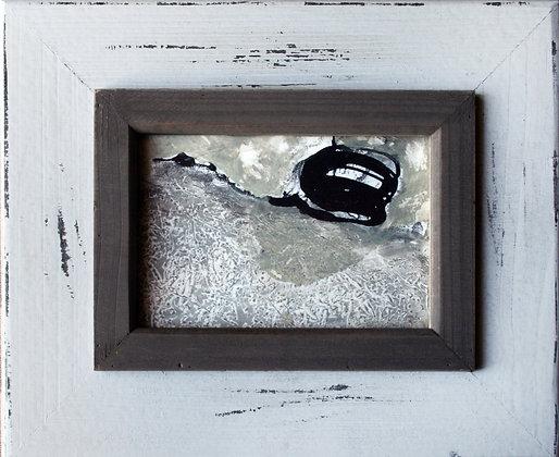 kleines abstraktes Kunstwerk in Beige und Braun mit Rahmen im Shabby Chic