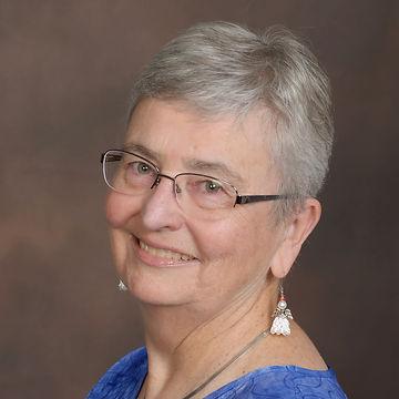 Julia Kearney who will be teaching Grape Expectations at the Texas Coastal Bead Retreat Julia Kearne