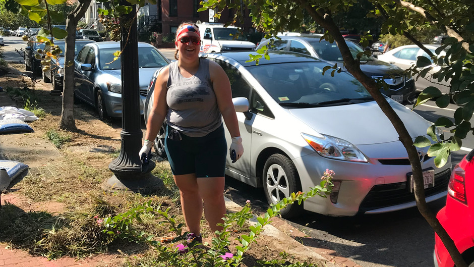 Young Dems of Ward 6 Help Grow the Neighborhood!