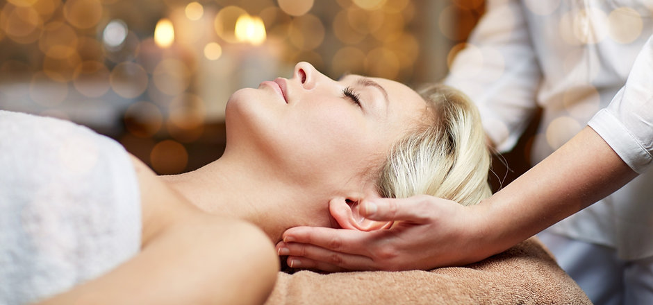 people%2C%20beauty%2C%20spa%2C%20healthy%20lifestyle%20and%20relaxation%20concept%20-%20close%20up%2