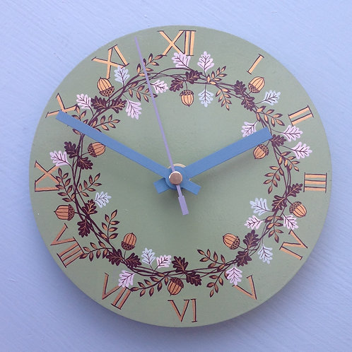 """Acorn Garland"" Green Small Clock"