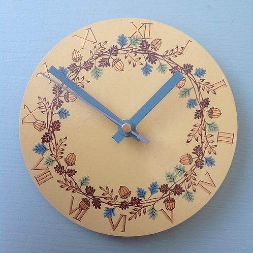 """""""Acorn Garland"""" Small Clock"""