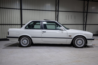 BMW E30 318i coupe 5