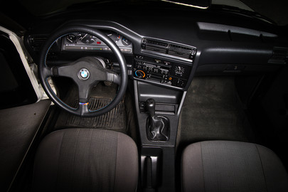 BMW E30 318i coupe 10