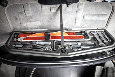 BMW 850CSi E31 14