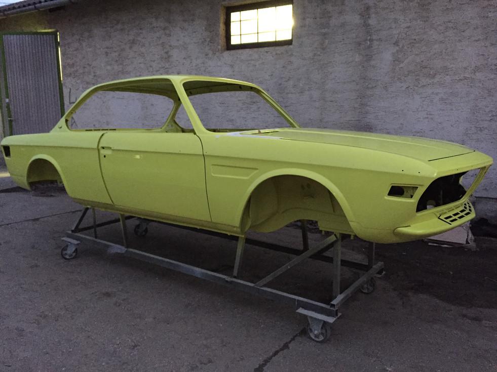 BMW E9 body