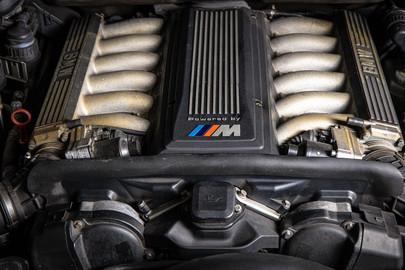 BMW 850CSi E31 10