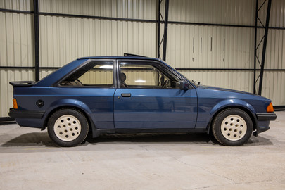 Ford Escort Xr3i 4