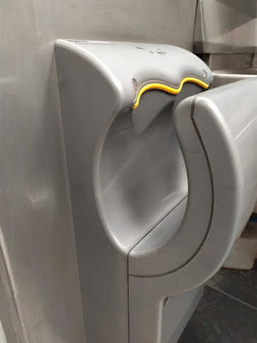 Touch free hand dryer- Clean