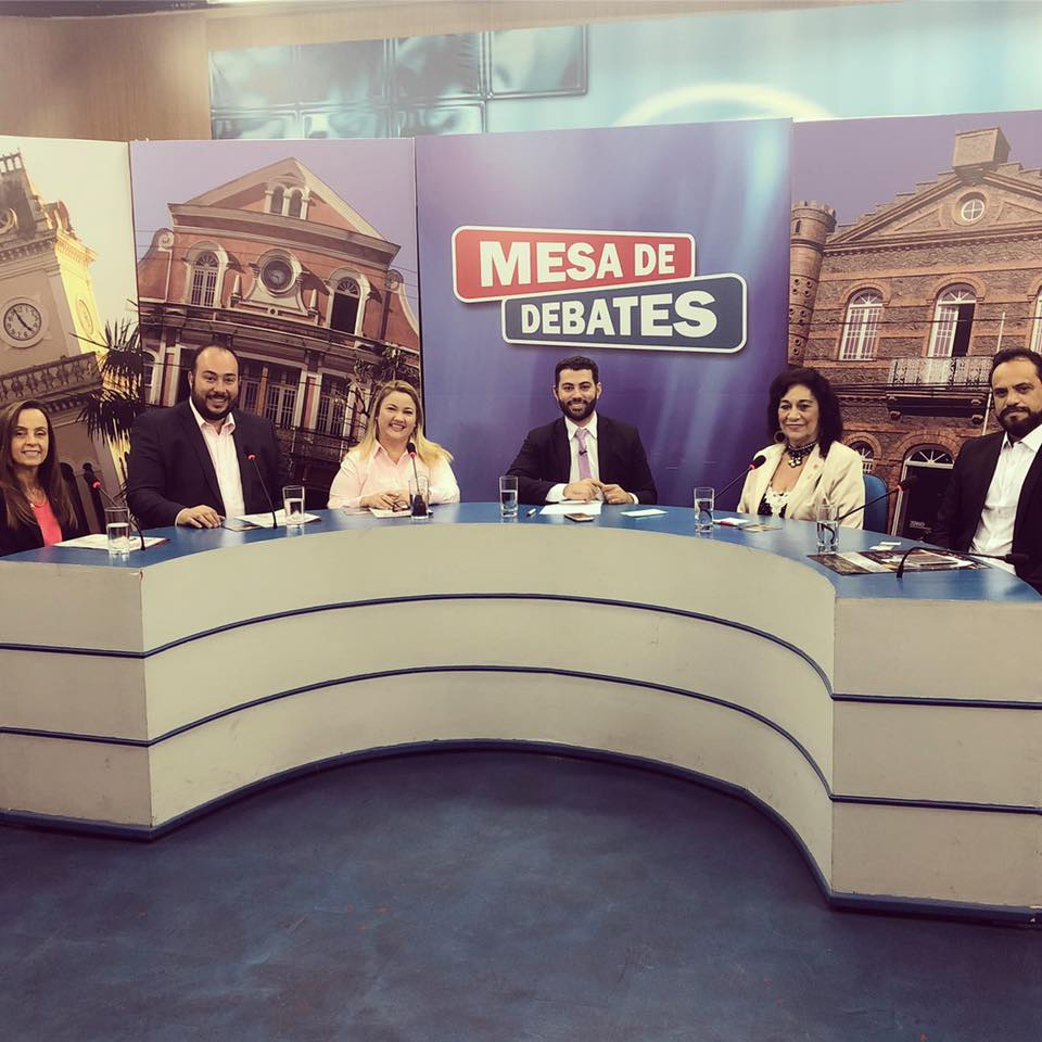Mesa de Debates e Souza Gomes