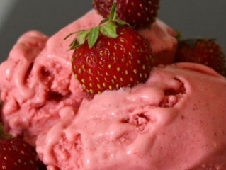 Homemade Low Glycemic Strawberry Ice Crean