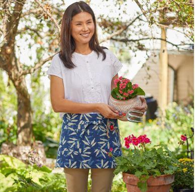 SERRV Dabu Gardening Apron