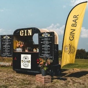 Horsebox Gin Bar.jpg
