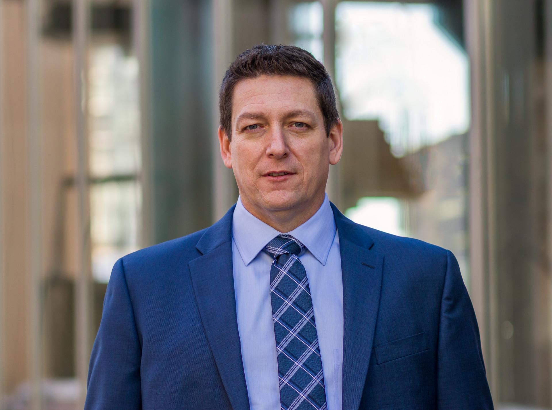 Calgary headshot, Real Estate Investor. Colin Graham