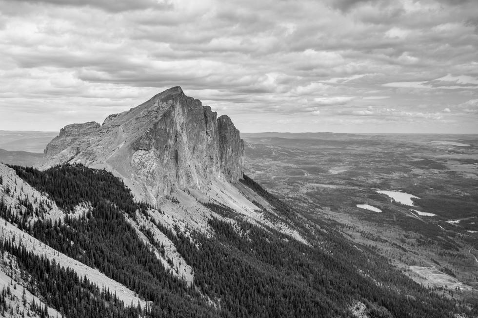 Calgary Landscape Photographer - Commercial prints - Mount Yamnuska Park