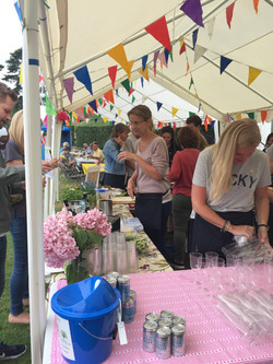 Gin and prosecco tent 2