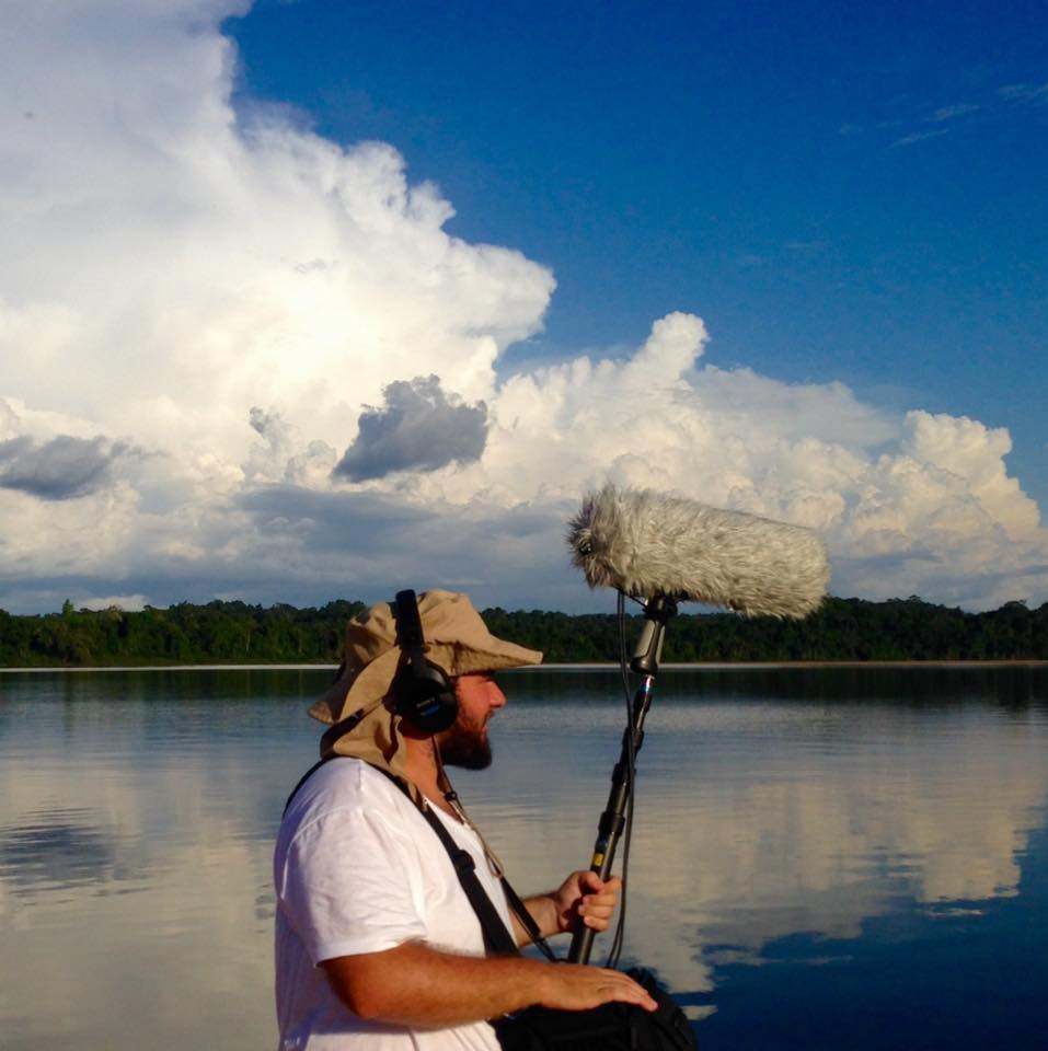 na reserva nacional do Rio Trombetas, Alto Oriximiná - Pará gravando sons documentário experimental Gujiga de Sunjha Kim