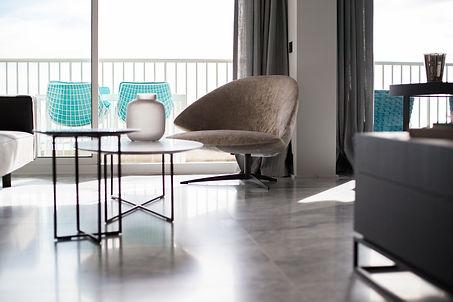 living room - marble details