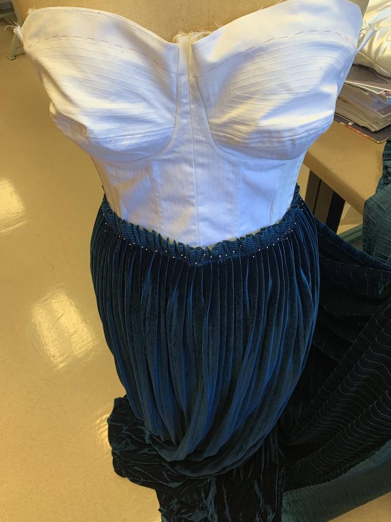 Skirt draping