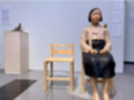 平和の少女像.jpg