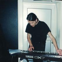 Issu (keybordist 1995)