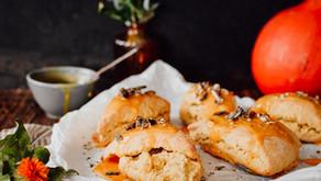Pumpkin Scones   herbstliche Kürbis Scones mit Glasur