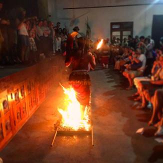 walking-on-fire-srilanja.jpg