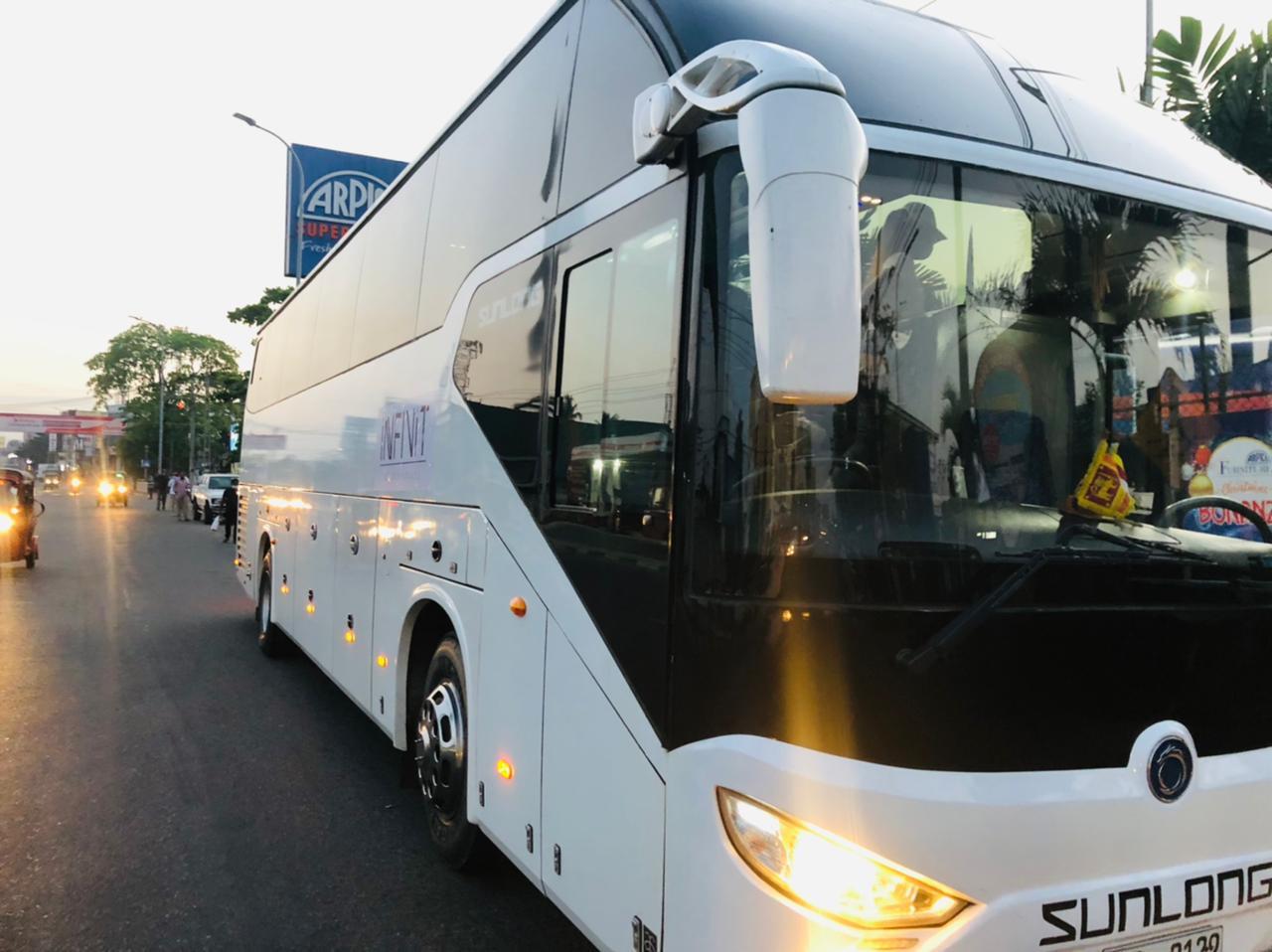 infinitluxury-travel-luxurycoach0bus (1)