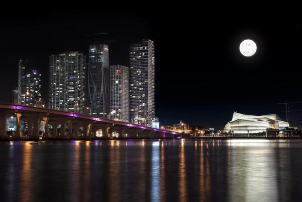 Miami-Adrienne-Arsht-Center-Moon