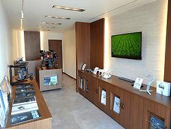 showroom1_edited.jpg